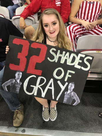 UH Student, Madelyn Chidester, gets creative in support for Senior Guard, Rob Gray
